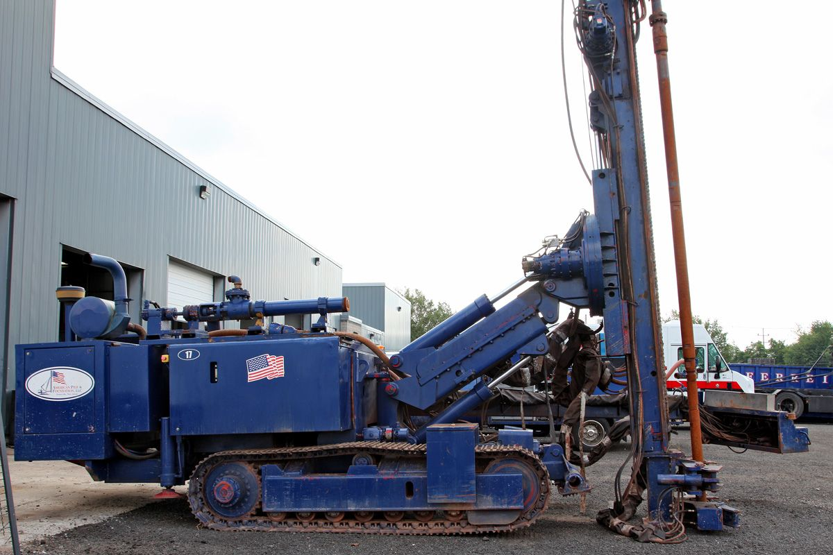 Casagrande C7 with Auto Crane 1995
