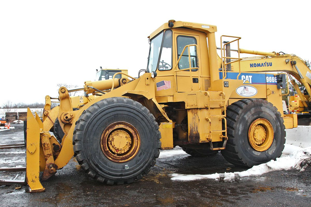 Caterpillar 966e wheel loader 1988